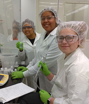Virginia Wesleyan chemistry students working in the National Institute for Standards and Technology lab, Washington, D.C, January 2020. Photograph by Prof. Maury Howard